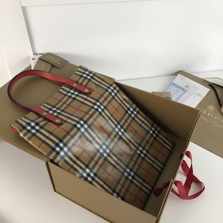 AAA Replica Burberry Women Shopping Bag in Plastic Vintage Check