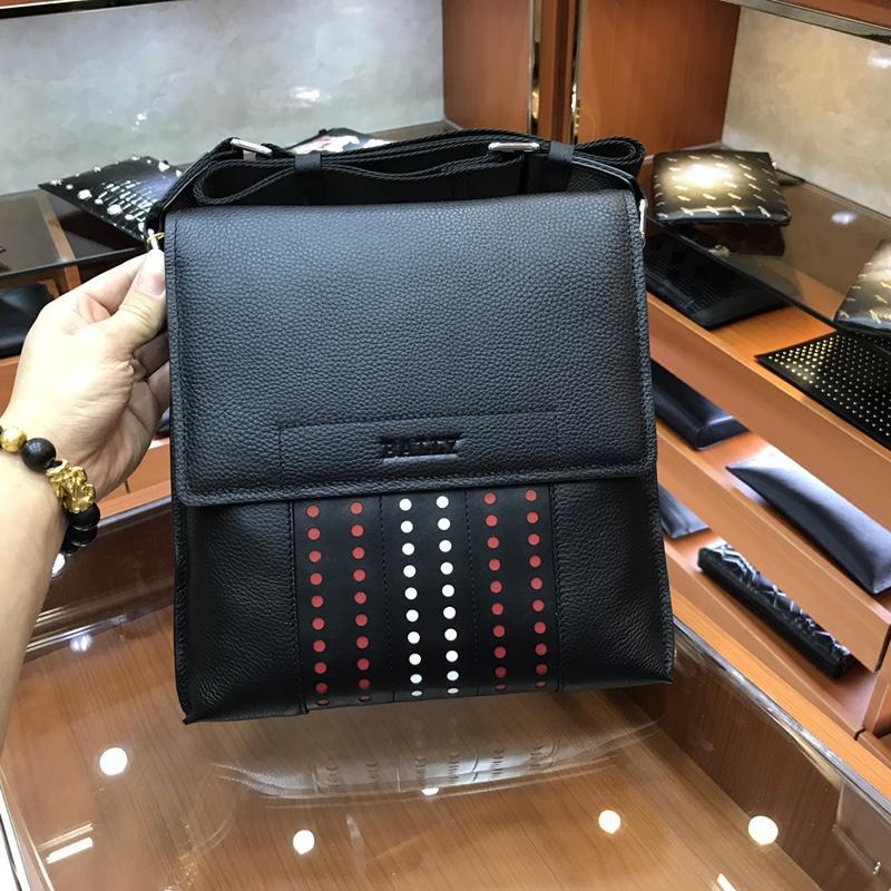 Bally 3174-5 Men Leather Messenger Bag