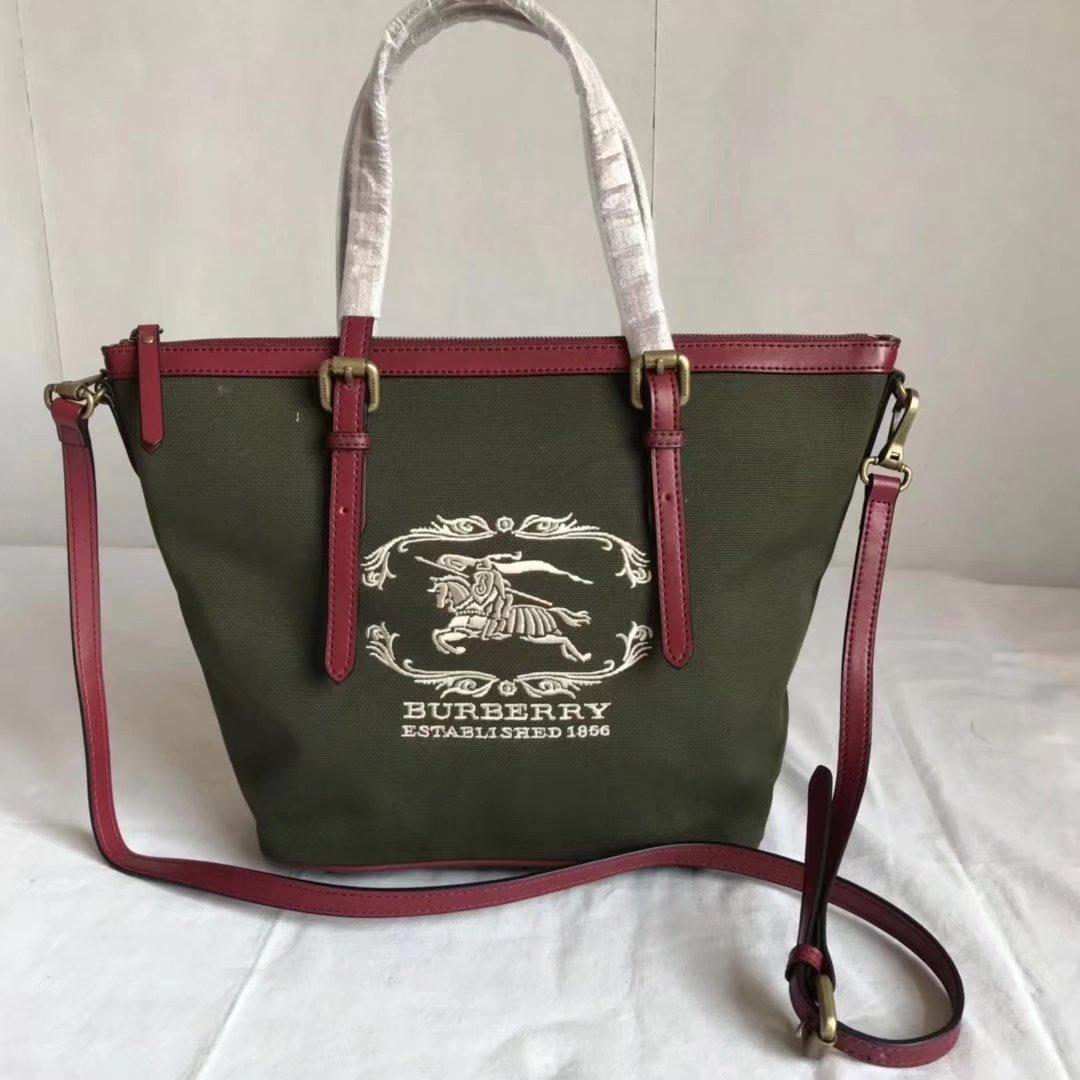 Burberry BR002 Women Shopping Shoulder Bag Green