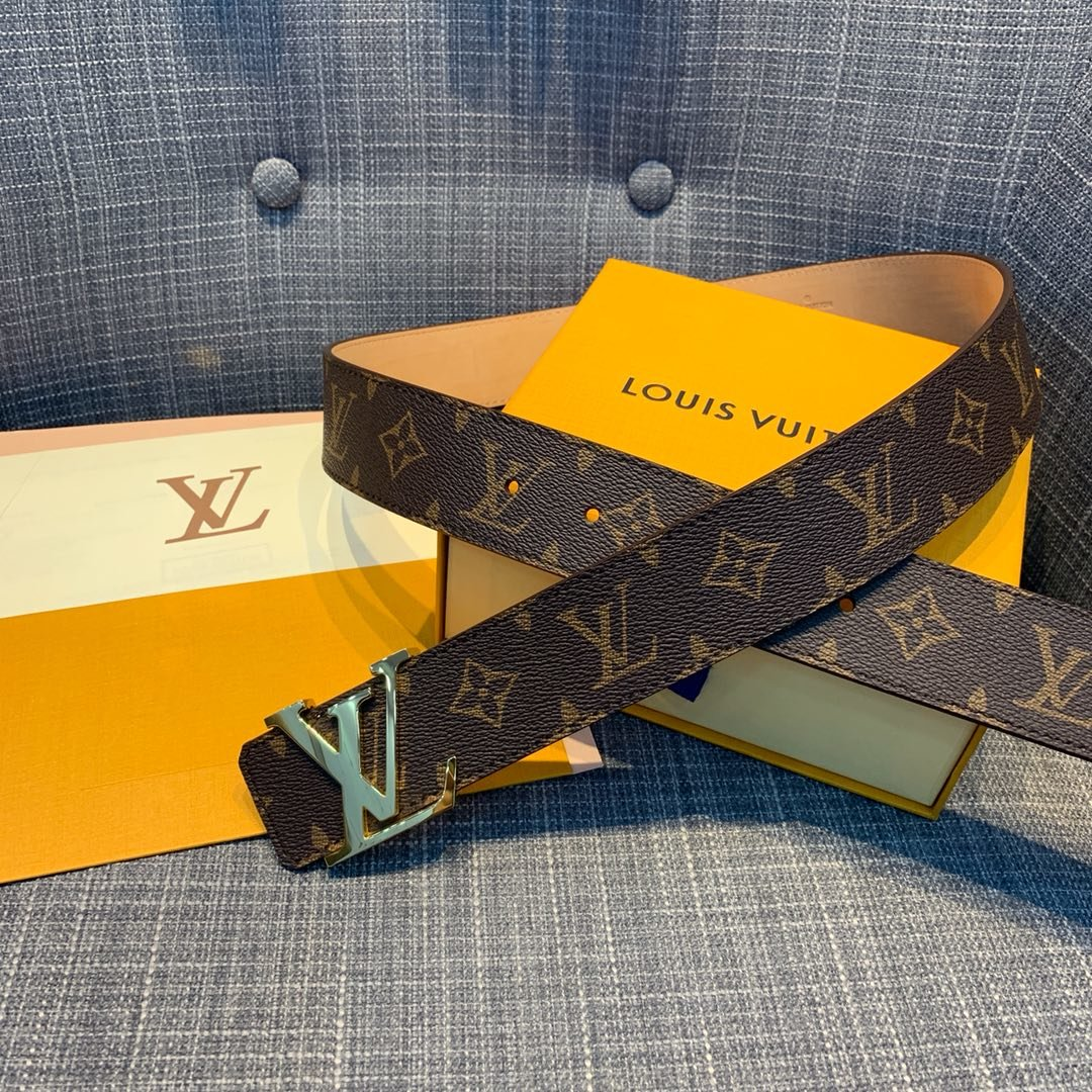 Cheap Replica Louis Vuitton Men Leather Belt Width 4cm 095