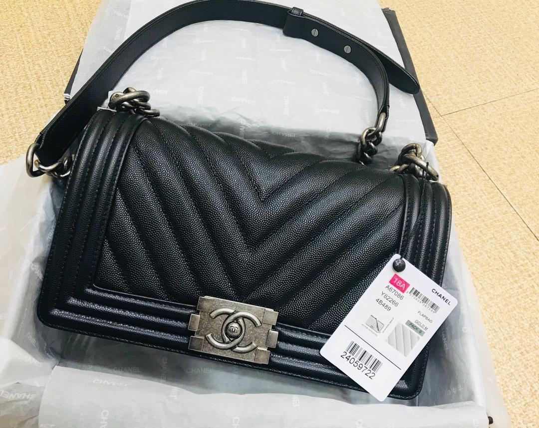 High Quality Chanel V Boy Chanel Handbag Black Grained Calfskin Silver Tone Metal 20CM 25CM