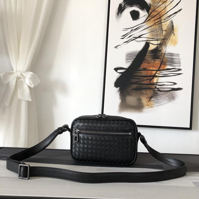 Replica Bottega Veneta Men Nero Intrecciato Messenger Bag Black