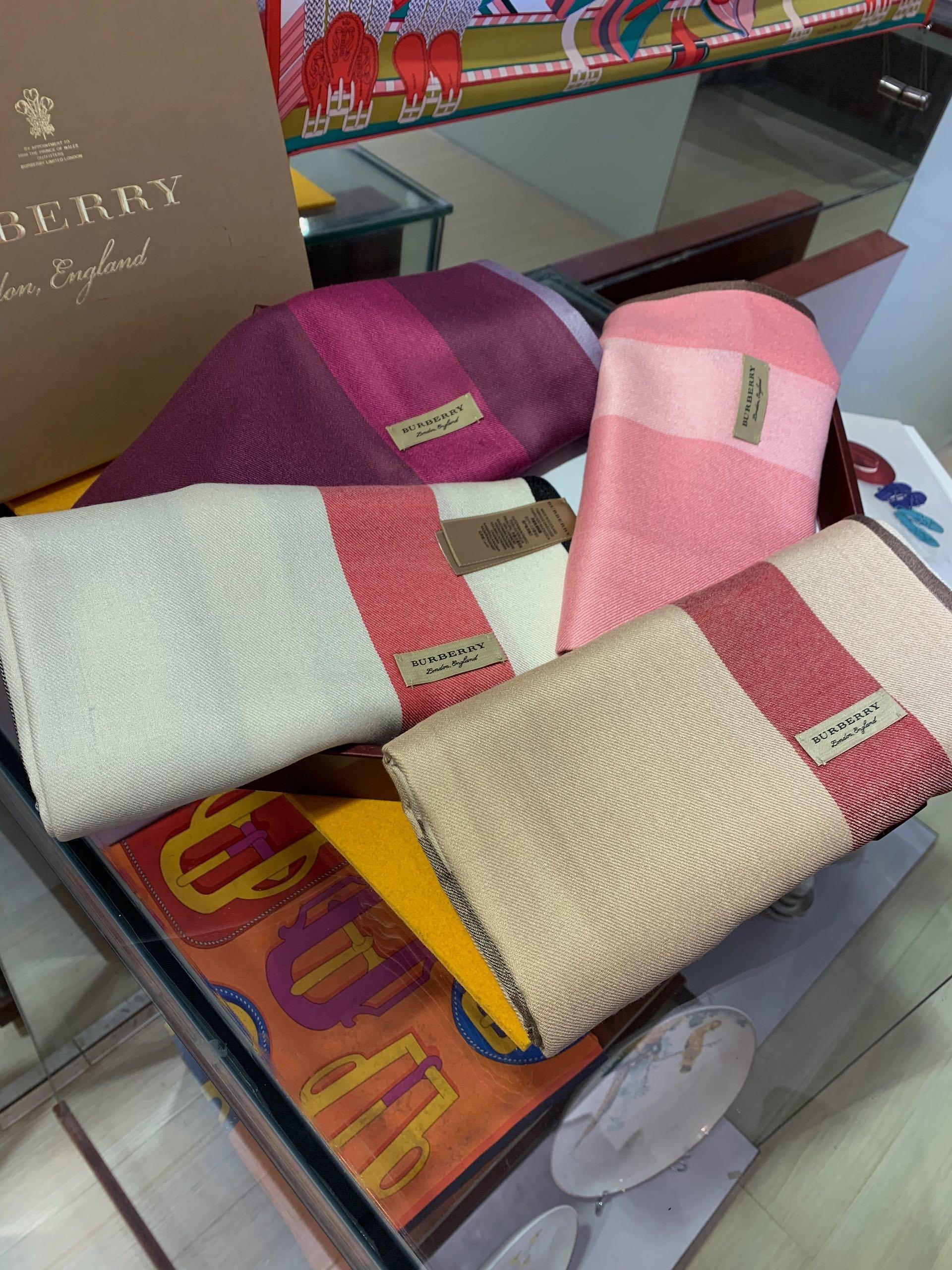 Replica Burberry Women Classics Scarf Cashmere PurPle 0002