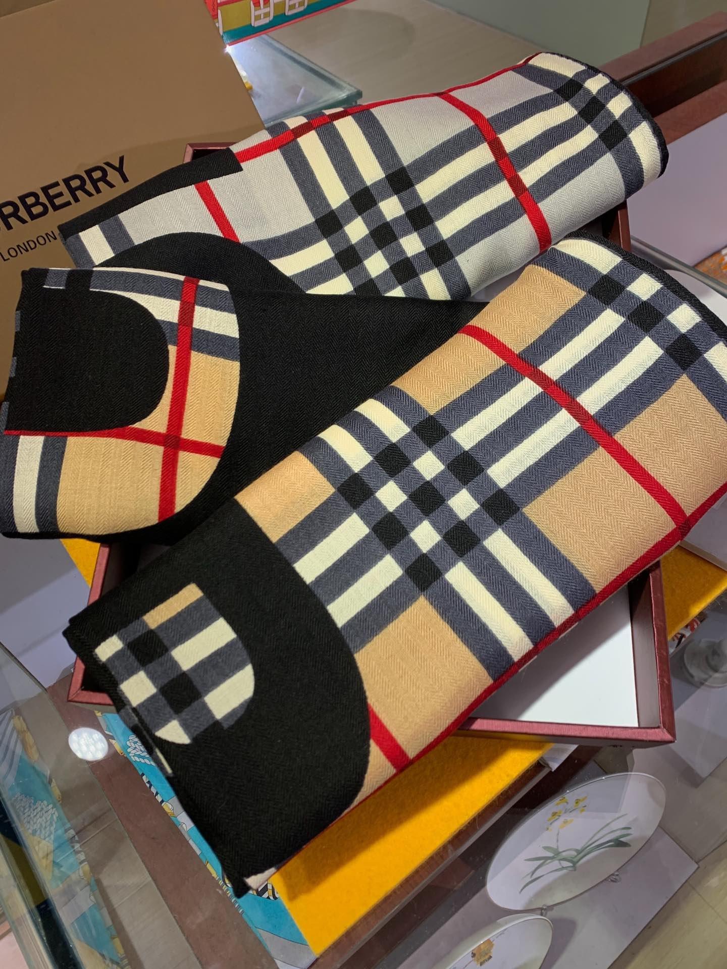 Replica Burberry Women Scarf Cashmere 0009