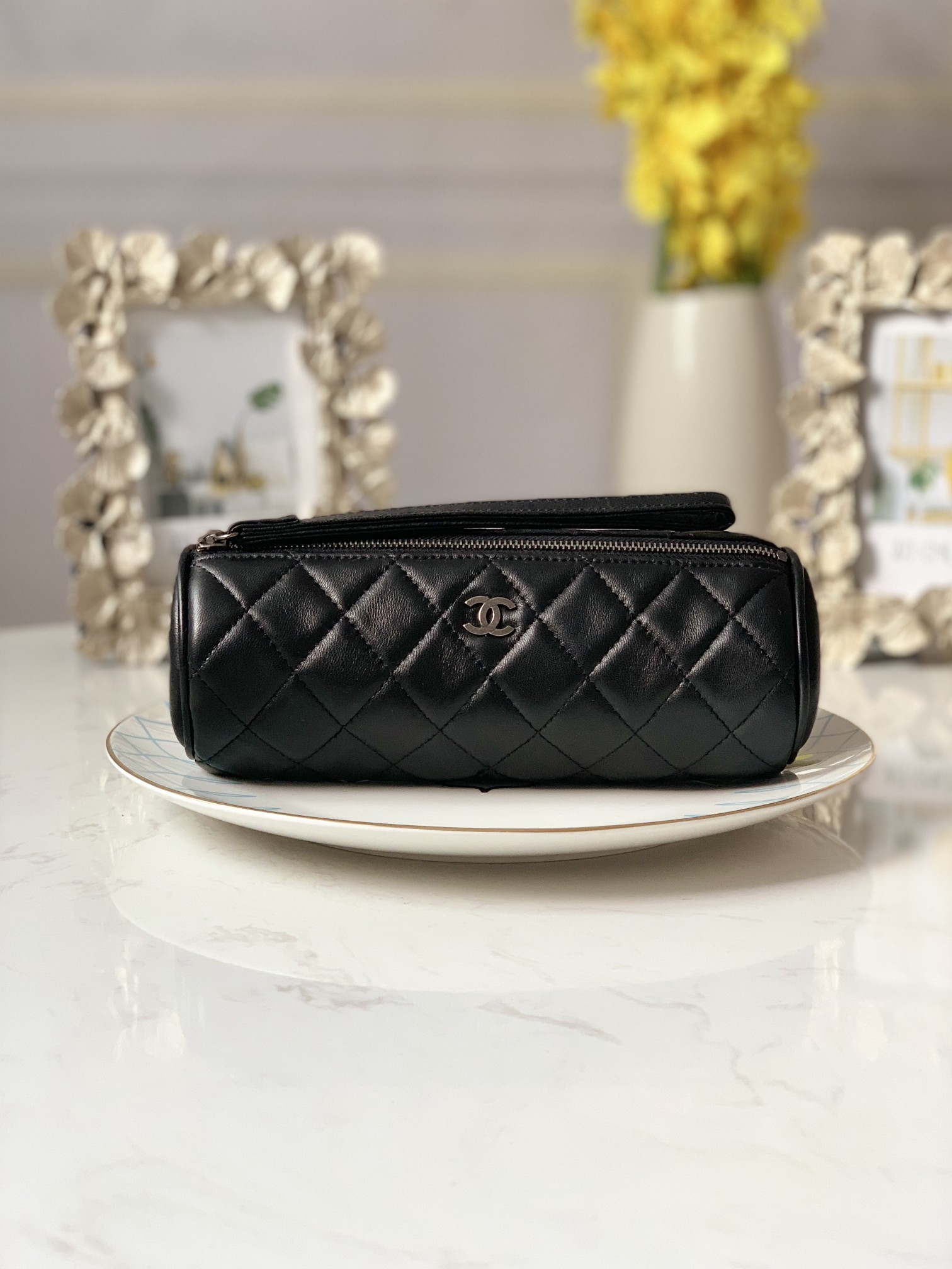 Replica Chanel 6908 Women Cosmetic Bag Black Leather