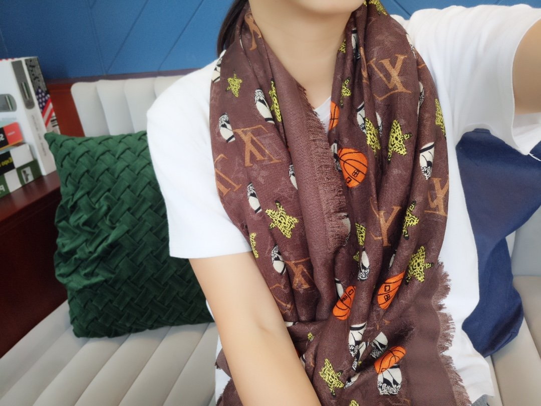 Replica Louis Vuitton Jonas Wood Women Scarf 0003