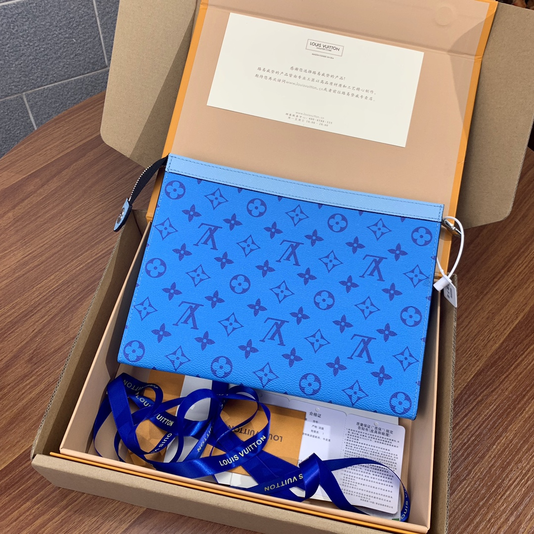 Replica Louis Vuitton M30761 Pochette Voyage MM Monogram Taigarama Denim Blue