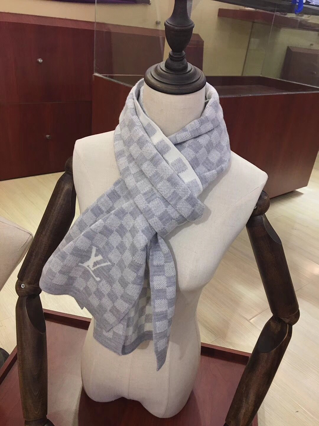Replica Louis Vuitton Men Scarf 0036