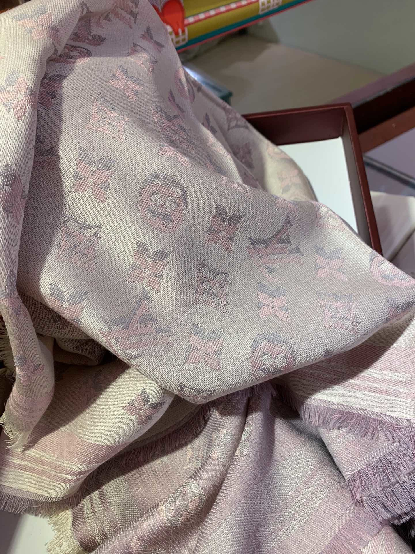 Replica Louis Vuitton Women Scarf 0028