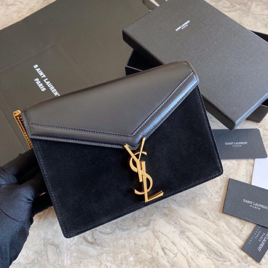 Replica Saint Laurent CASSANDRA Monogram Clasp bag in Smooth Leather Black