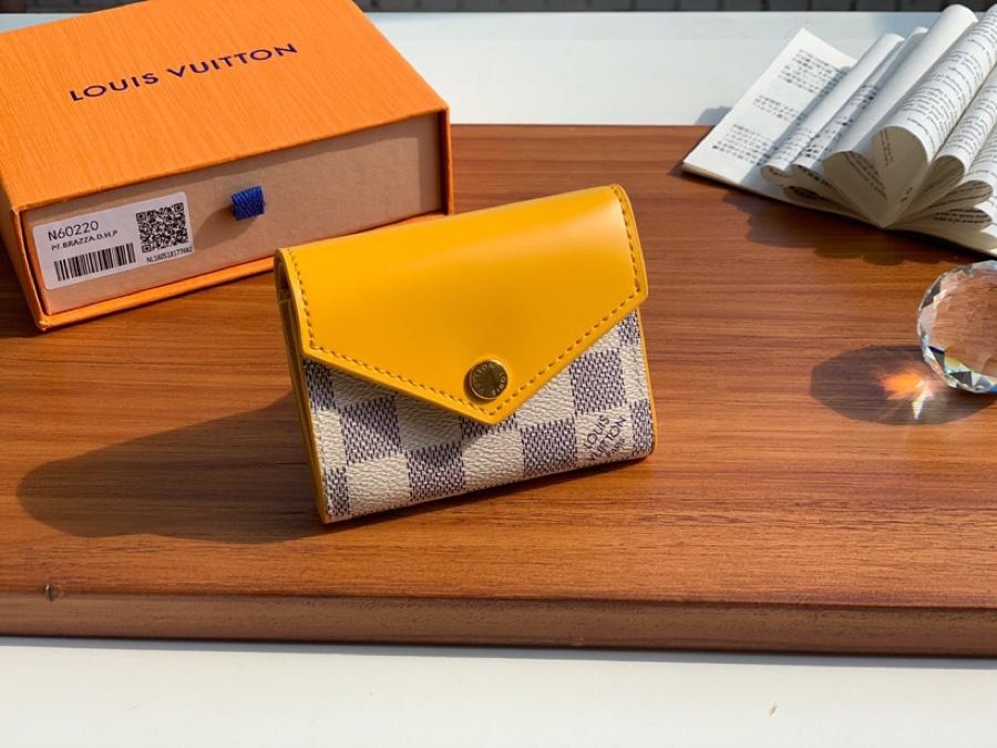 Top Replica Louis Vuitton N60220 Zoe Wallet Damier Azur Canvas Pineapple