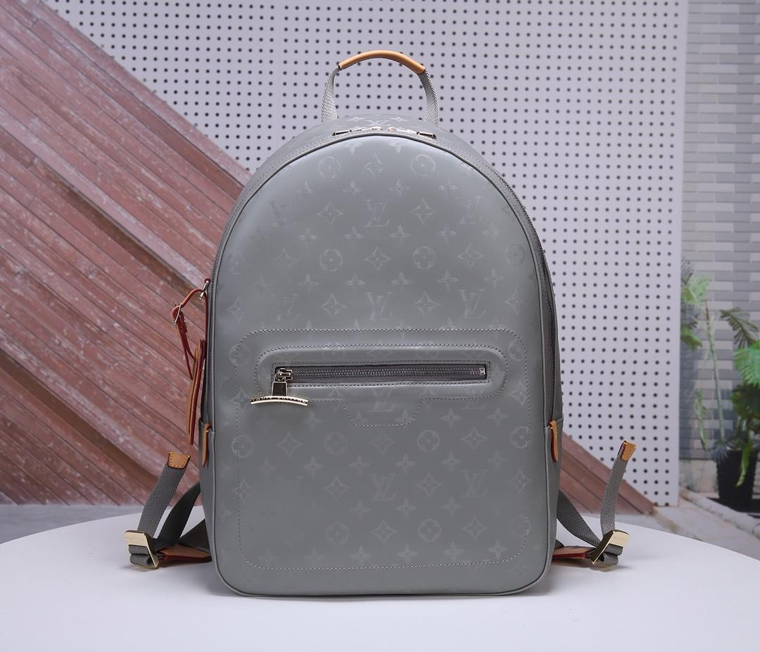 AAA Replica Louis Vuitton M43882 Men Backpack Monogram Titanium