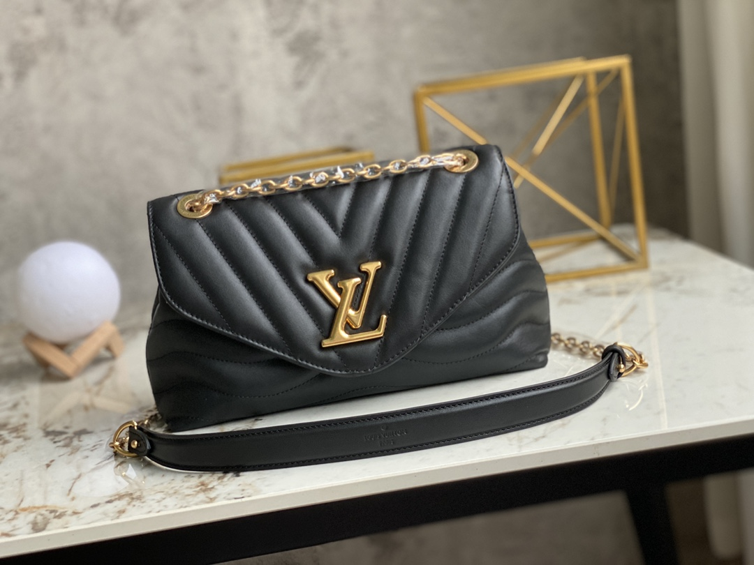 AAA Replica Louis Vuitton M58552 LV New Wave Chain Bag Smooth Cowhide Leather Black