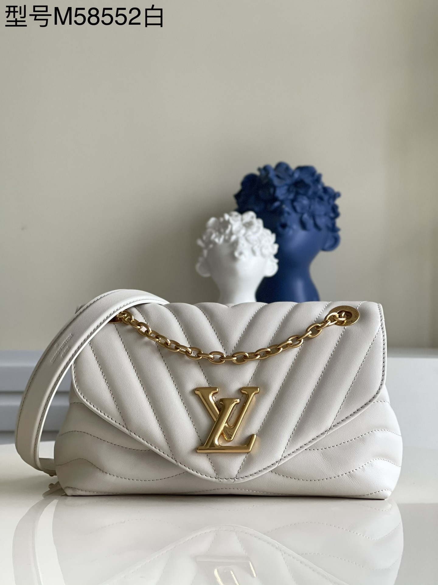 AAA Replica Louis Vuitton M58553 LV New Wave Chain Bag Smooth Cowhide Leather Ivoire