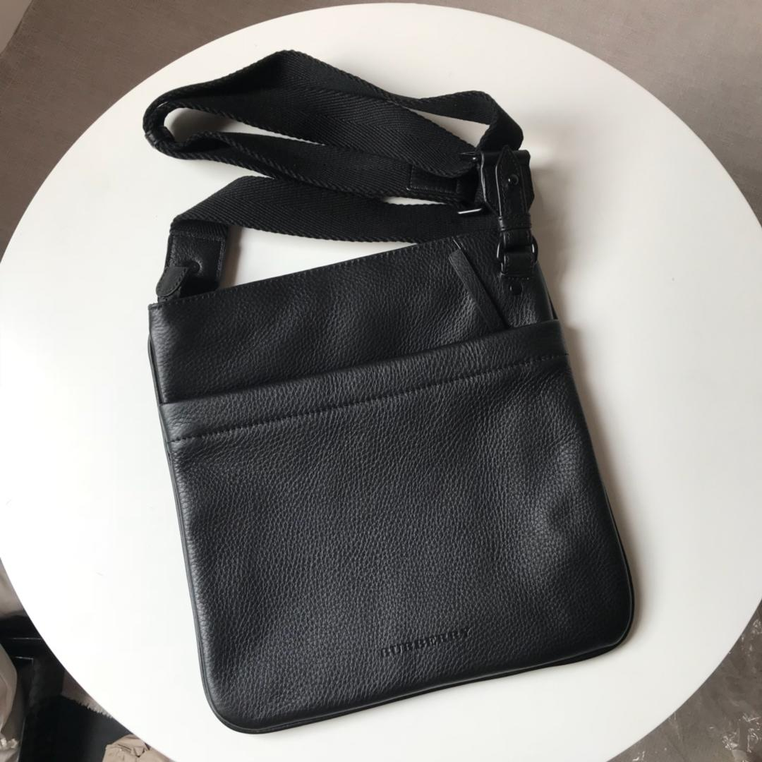 Burberry Men Leather Crossbody Bag Black