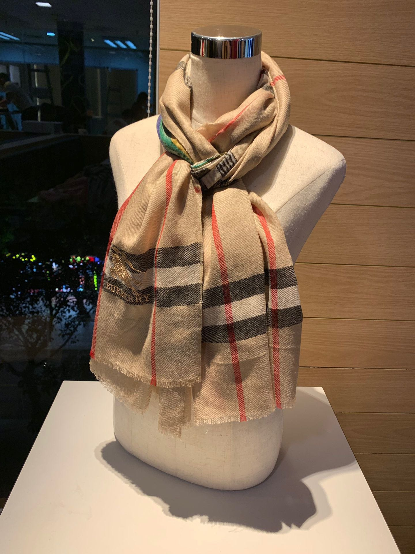 Cheap Replica Burberry Women Scarf 0028