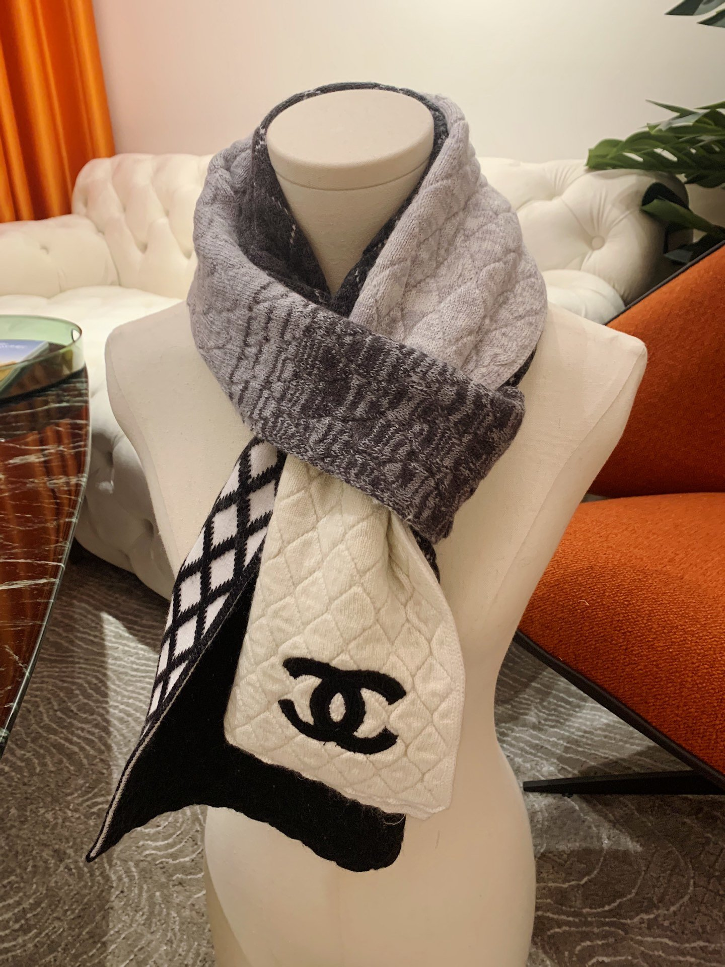 Cheap Replica Chanel Women Scarves 0004