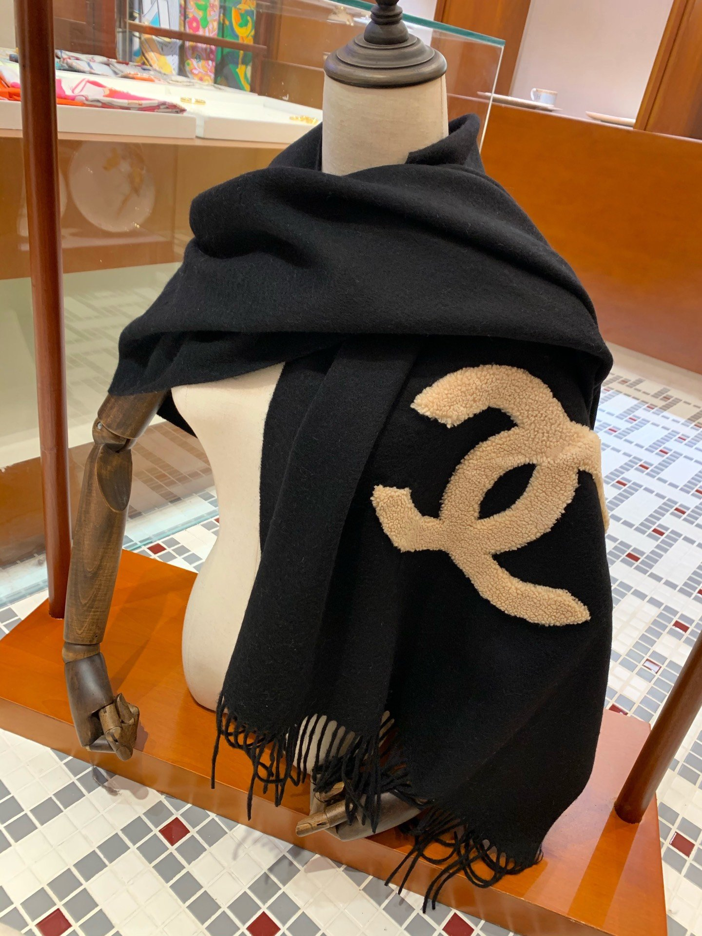 Cheap Replica Chanel Women Scarves 0017