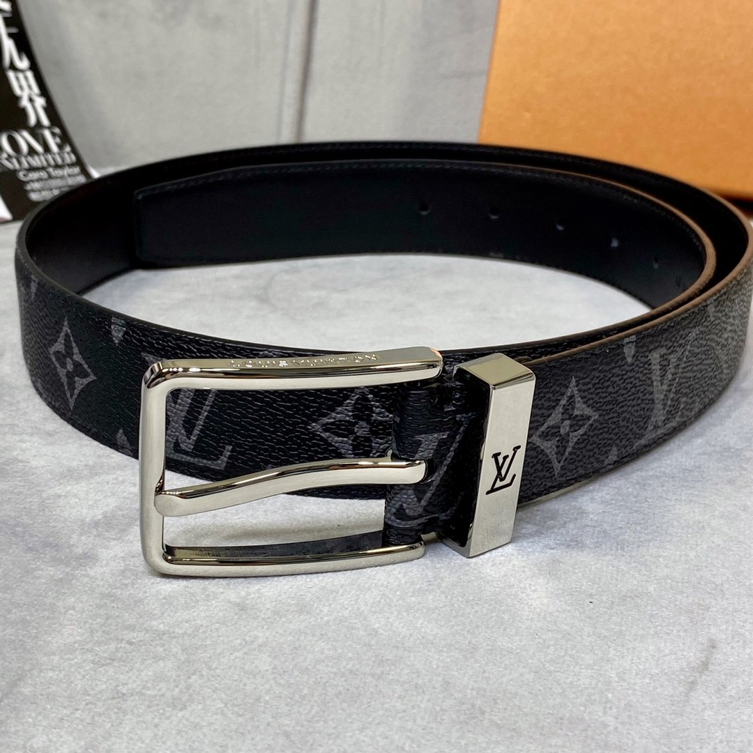 Cheap Replica Louis Vuitton Men Leather Belt Width 3.5cm 105