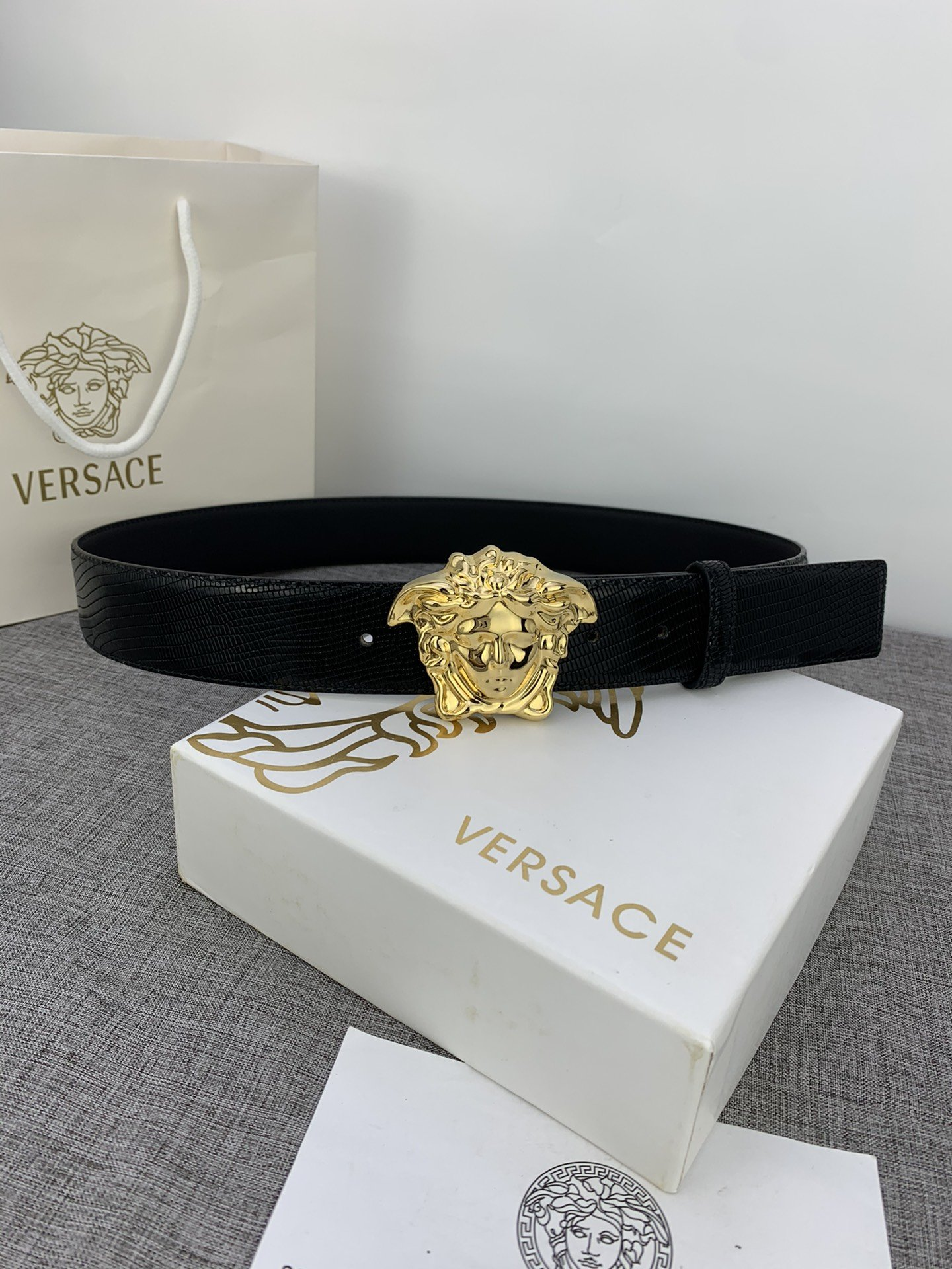 Cheap Replica Versace Men Reversible Leather Belt Width 4cm With Gold Buckle 023