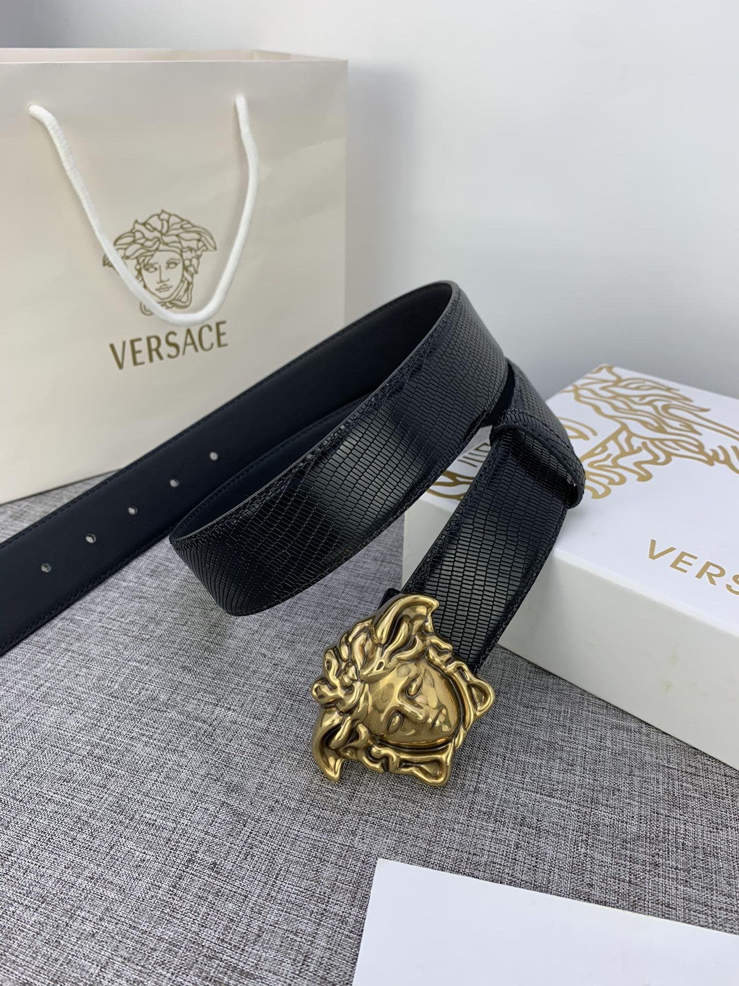 Cheap Replica Versace Men Reversible Leather Belt Width 4cm With Gold Buckle 025
