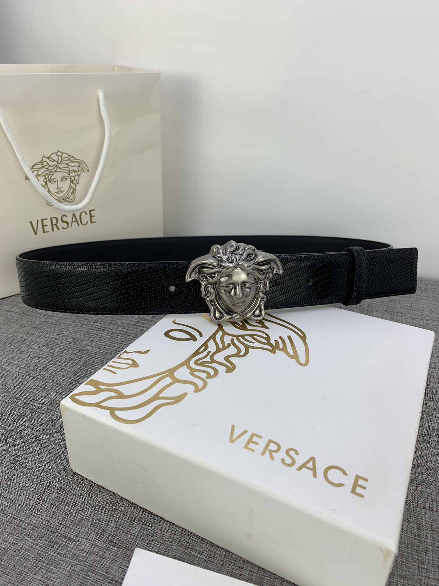 Cheap Replica Versace Men Reversible Leather Belt Width 4cm With Gold Buckle 026
