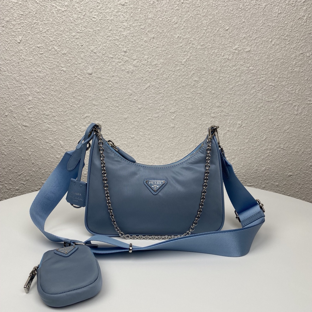 Copy Prada 1BH204 Re-Edition 2005 Re-Nylon Bag Black and Blue