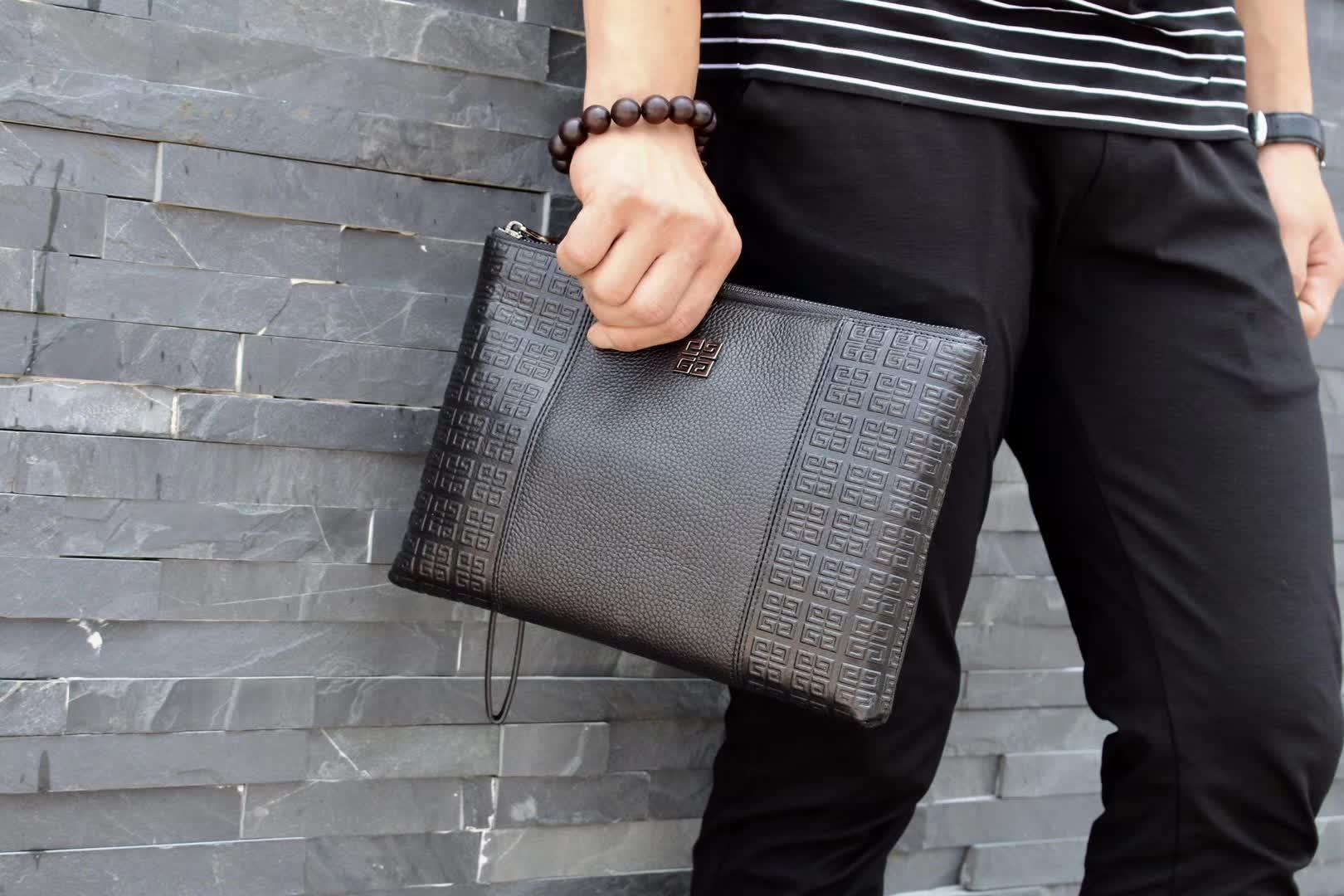 Givenchy K33007 Men Leather Zipper Clutch Bag Black