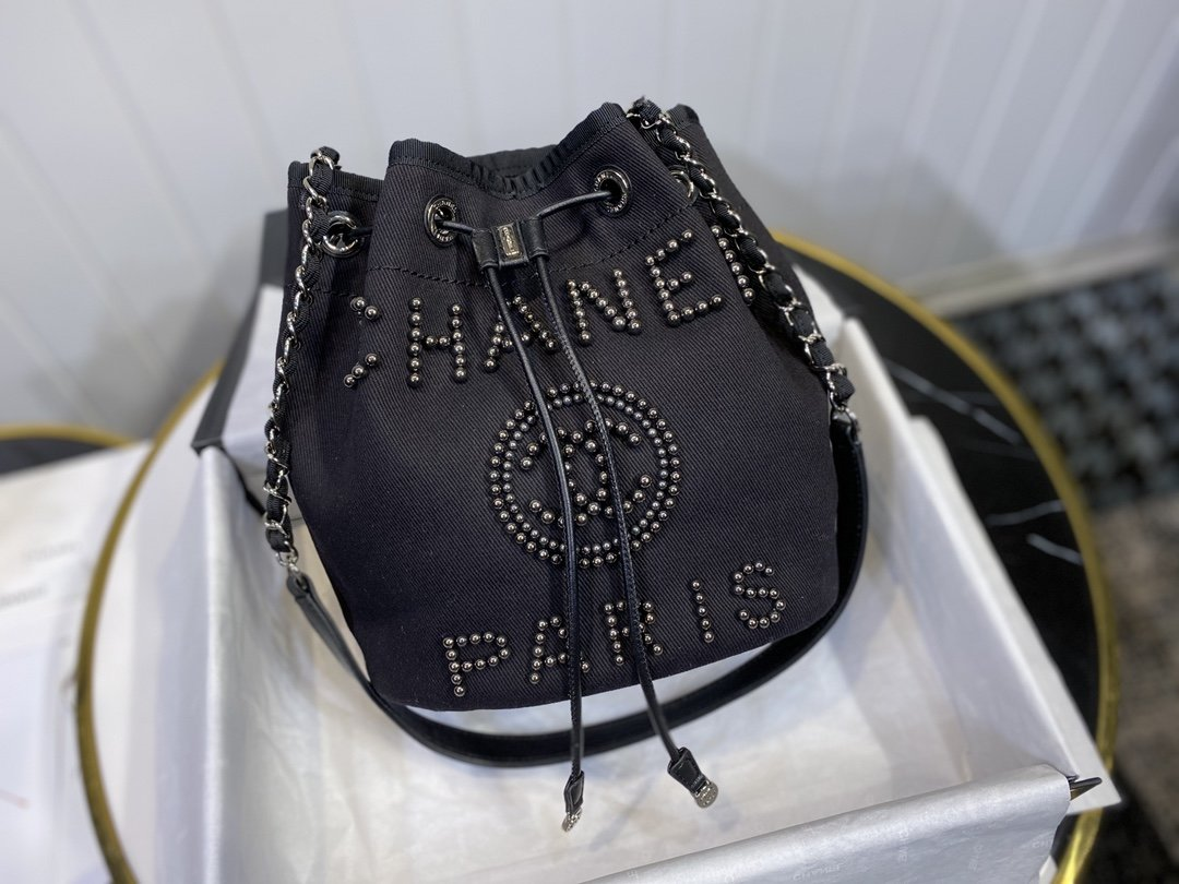 NEW Replica Chanel Small Drawstring Bag Grained Calfskin Black