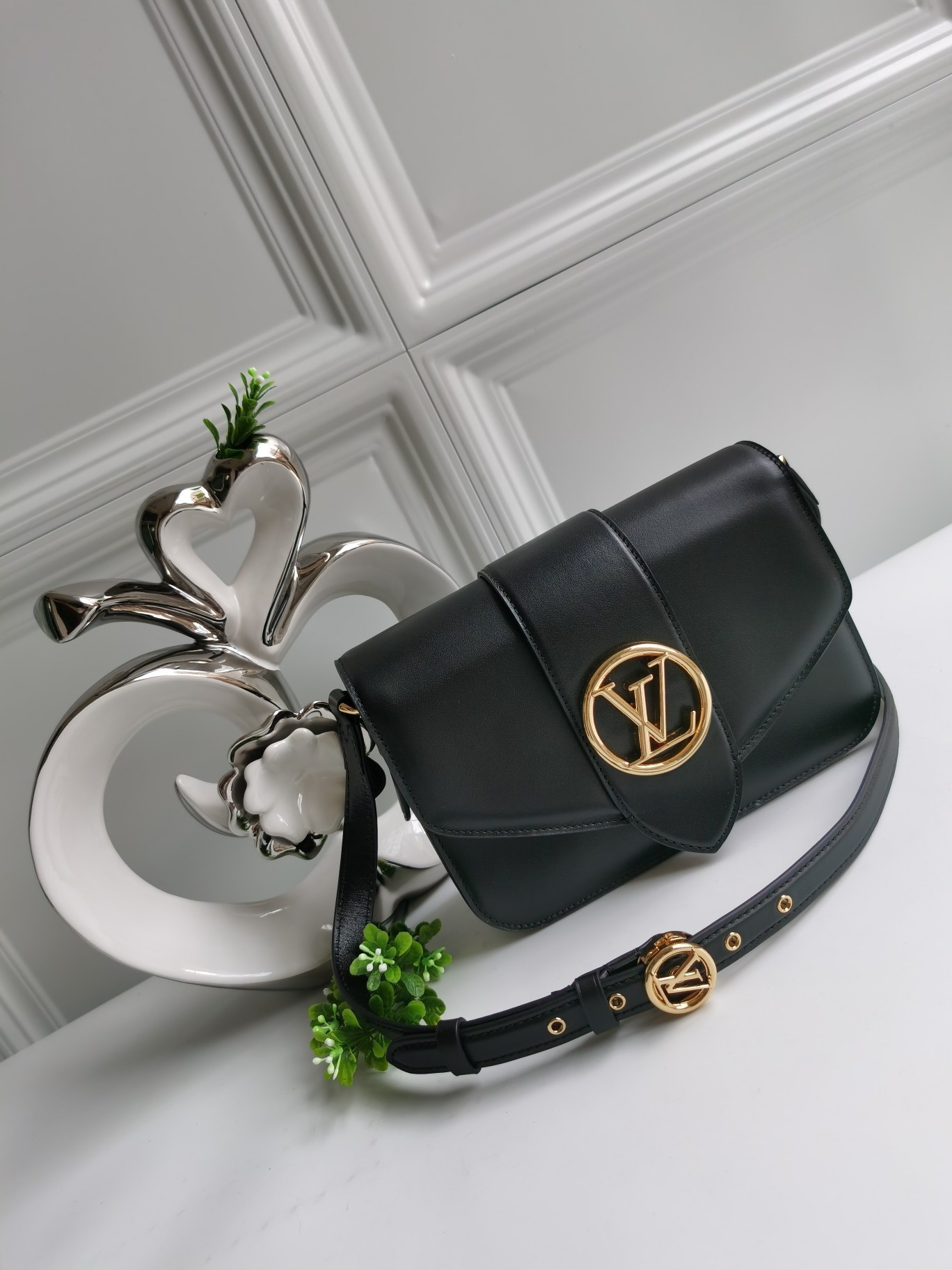 NEW Replica Louis Vuitton M55948 Pont 9 Handbag Smooth Leather Black