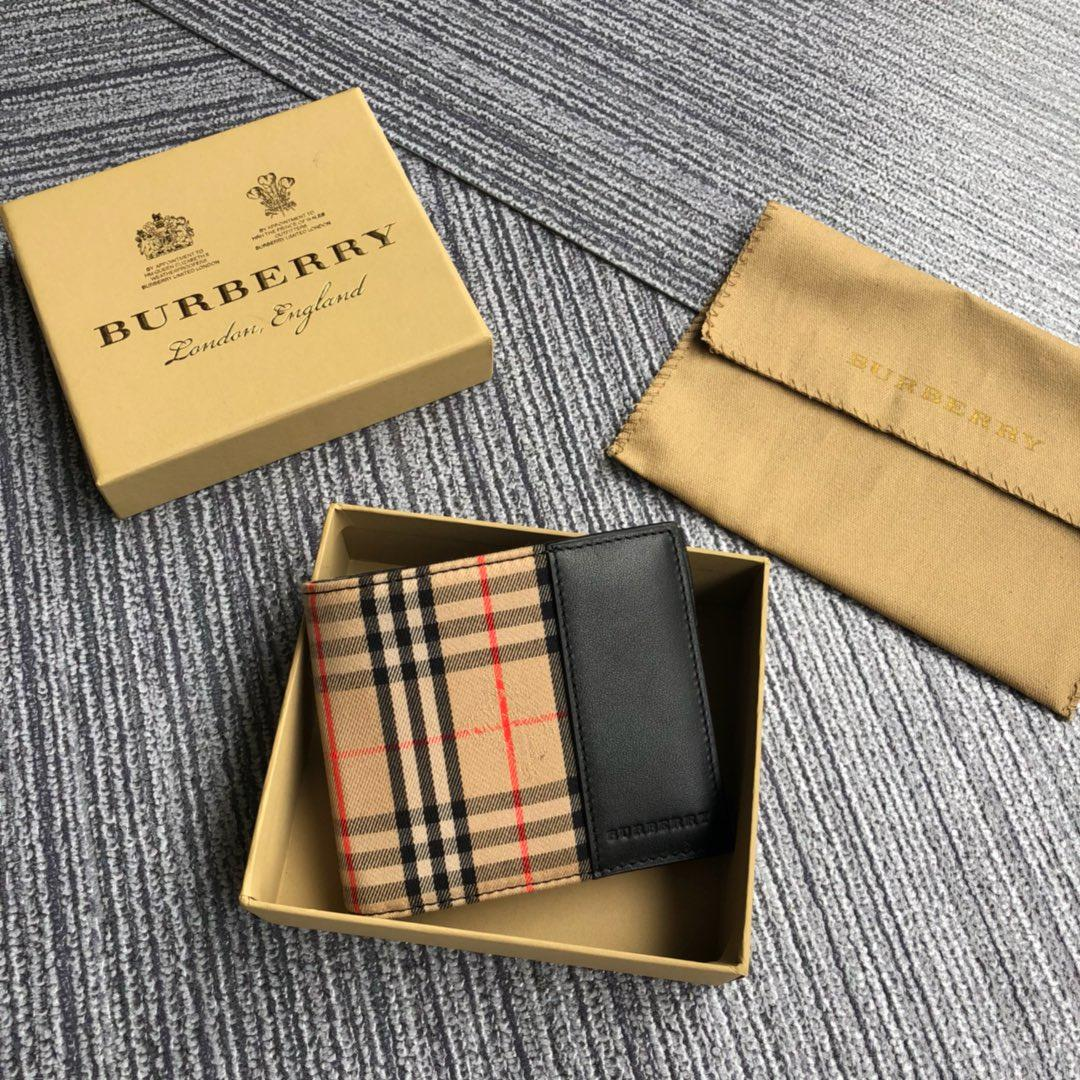 New Replcia Burberry Small Scale Check International Bifold Wallet