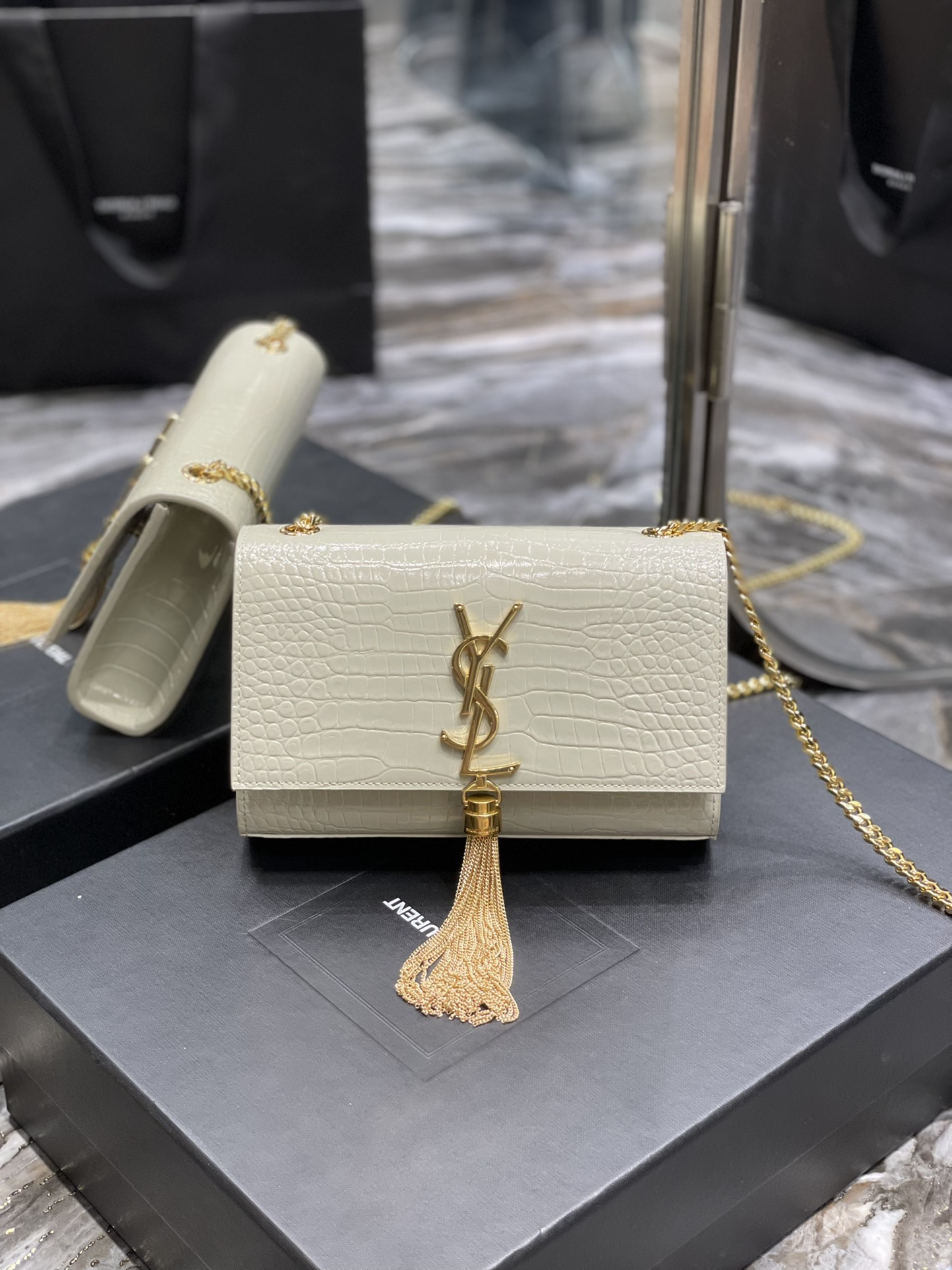 Original Copy Saint Laurent Kate Chain Wallet with Tassel in Crocodile-Embossed Shiny Leather Gold Hardware White