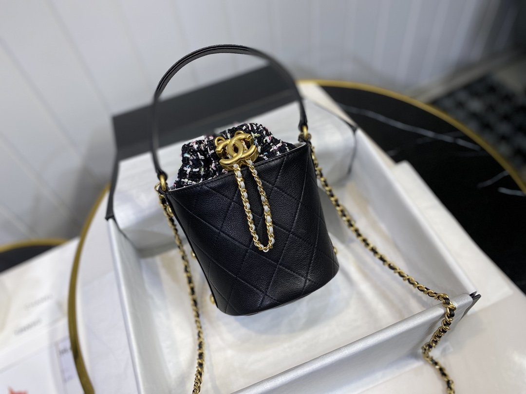 Perfect Replica Chanel Small Drawstring Bag Calfskin Tweed Gold-Tone Metal Black with Multicolor