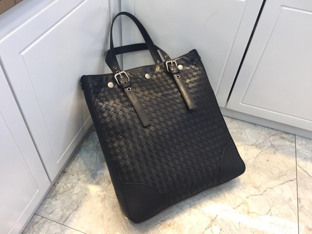 Replica Bottega Veneta Men Light Tourmaline Intrecciato Aquatre Bag