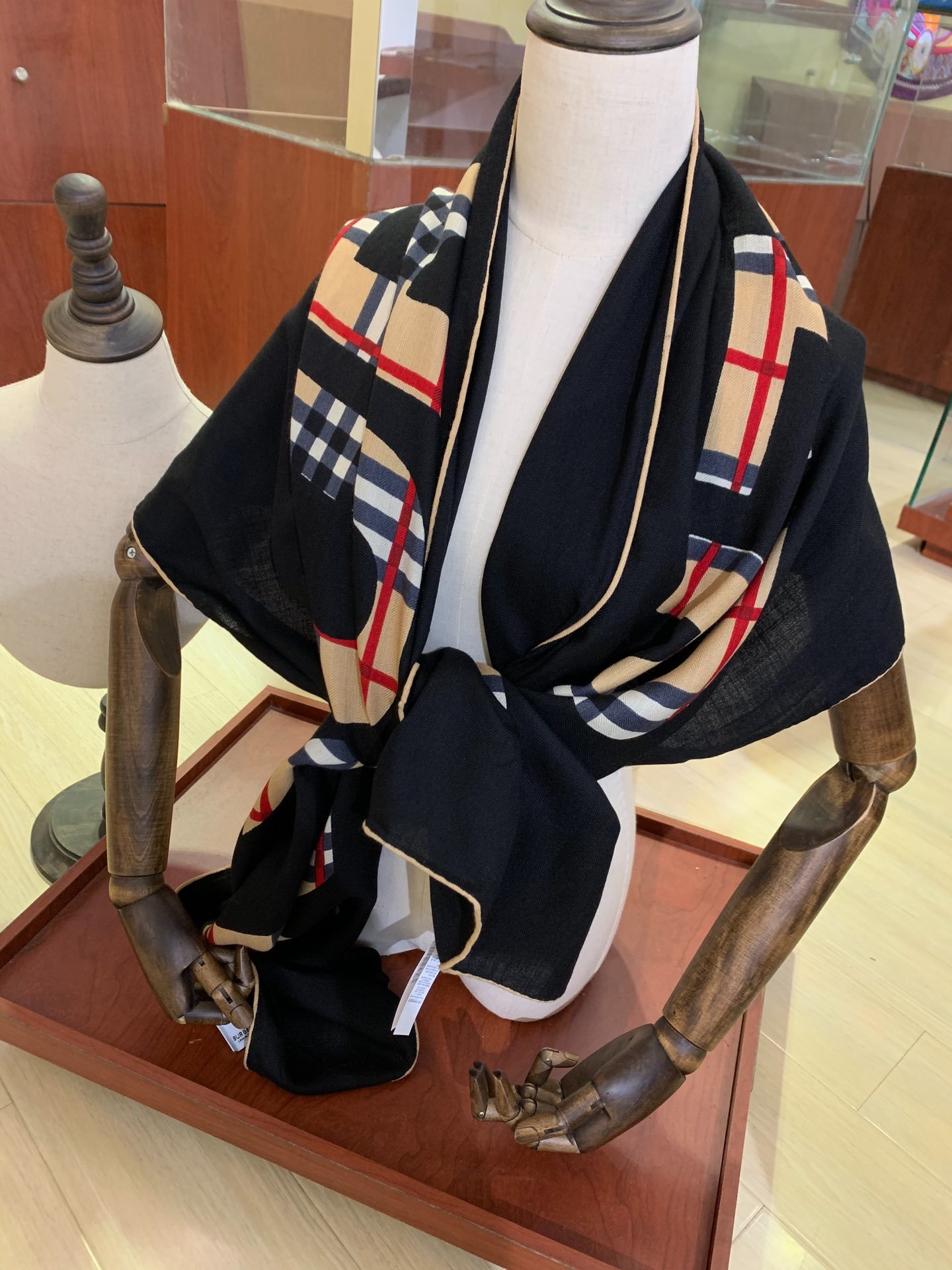 Replica Burberry Women Scarf Cashmere 0008