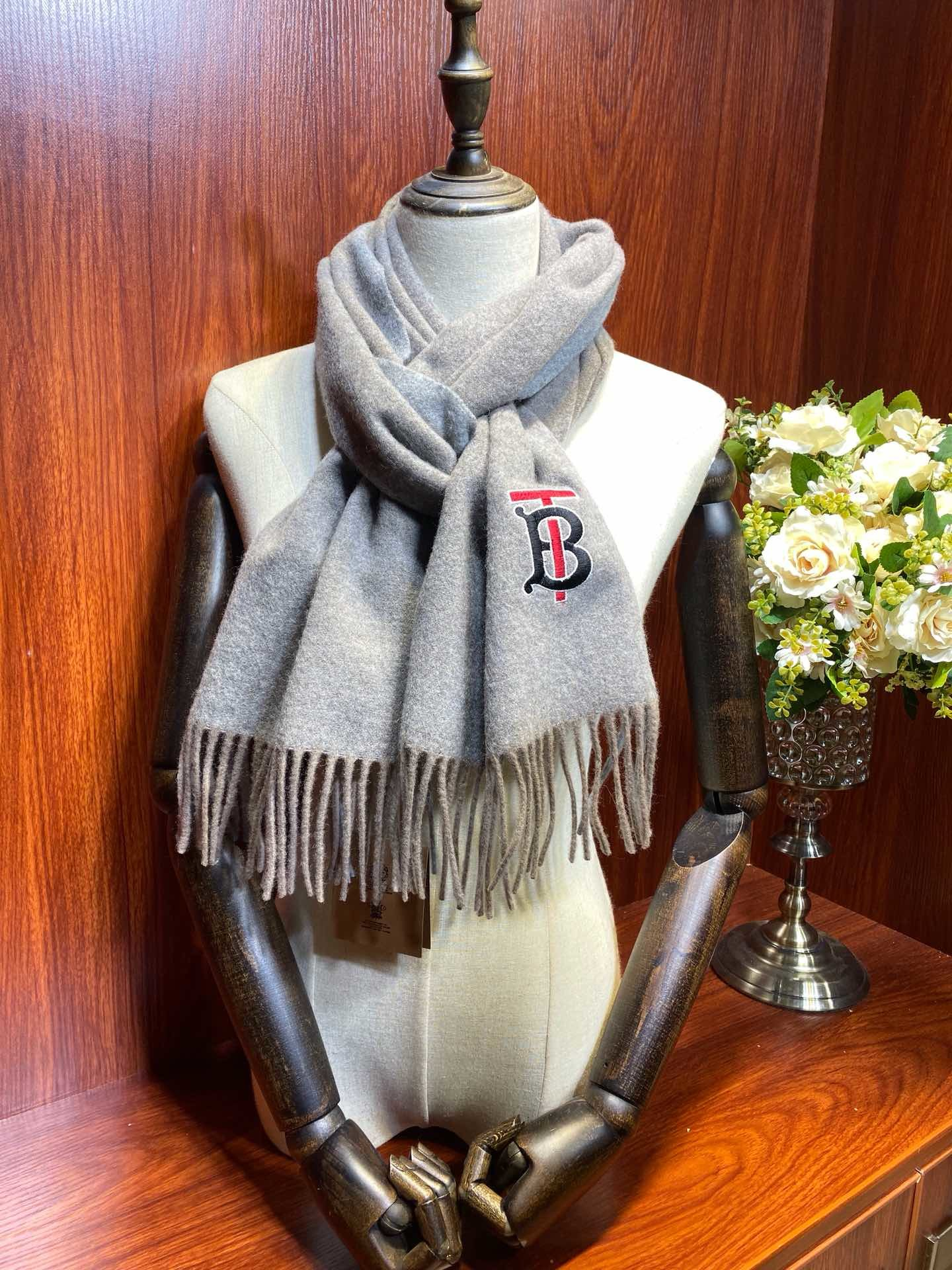 Replica Burberry Women Scarf Cashmere 0014