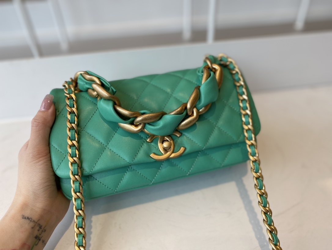Replica Chanel AS2388 2021 Flap Bag Shiny Lambskin Gold-Tone Metal Green