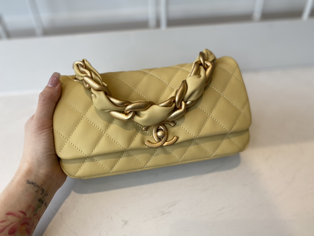 Replica Chanel AS2388 2021 Flap Bag Shiny Lambskin Gold-Tone Metal Yellow