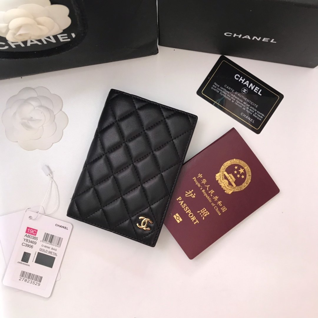 Replica Chanel Classic Passport Holder Features Grained Calfskin Gold-Tone Metal
