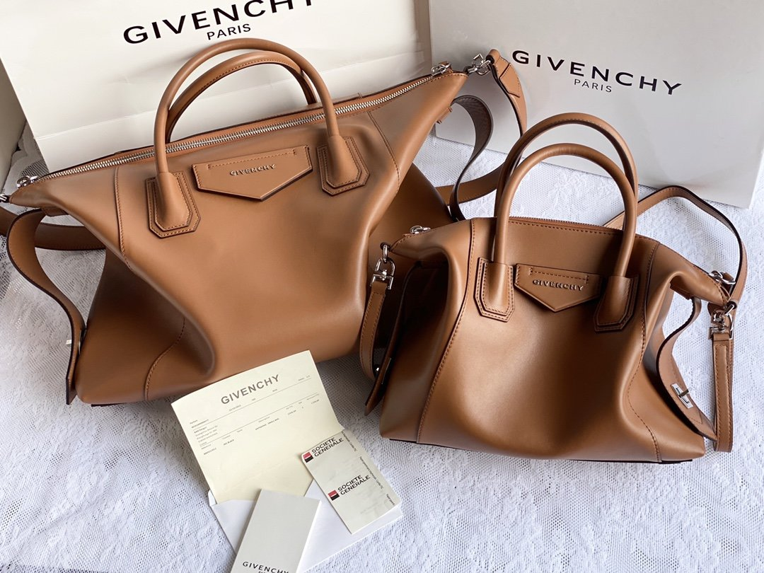 Replica Givenchy Antigona Soft Bag in Smooth Leather Coffee