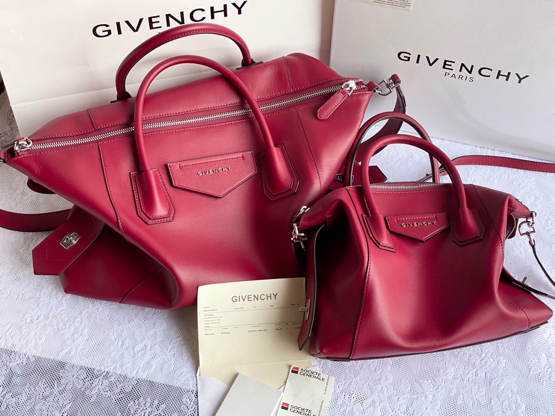 Replica Givenchy Antigona Soft Bag in Smooth Leather Red