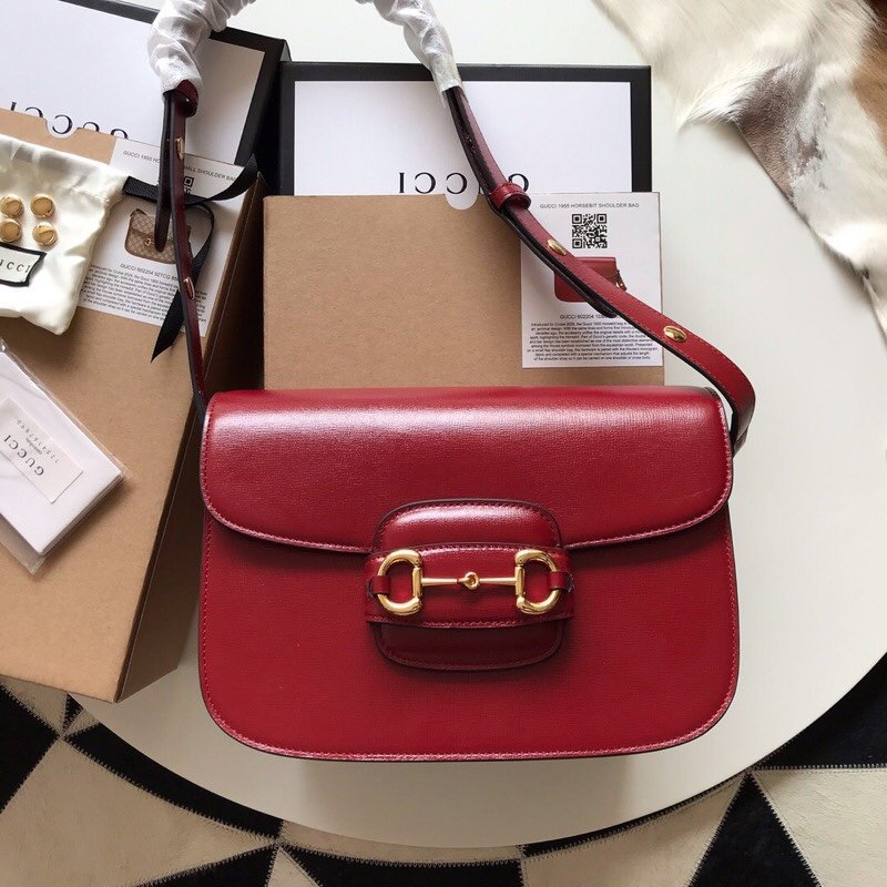 Replica Gucci 1955 Horsebit Shoulder Bag Red Textured Leather with a Vintage Effect 602204