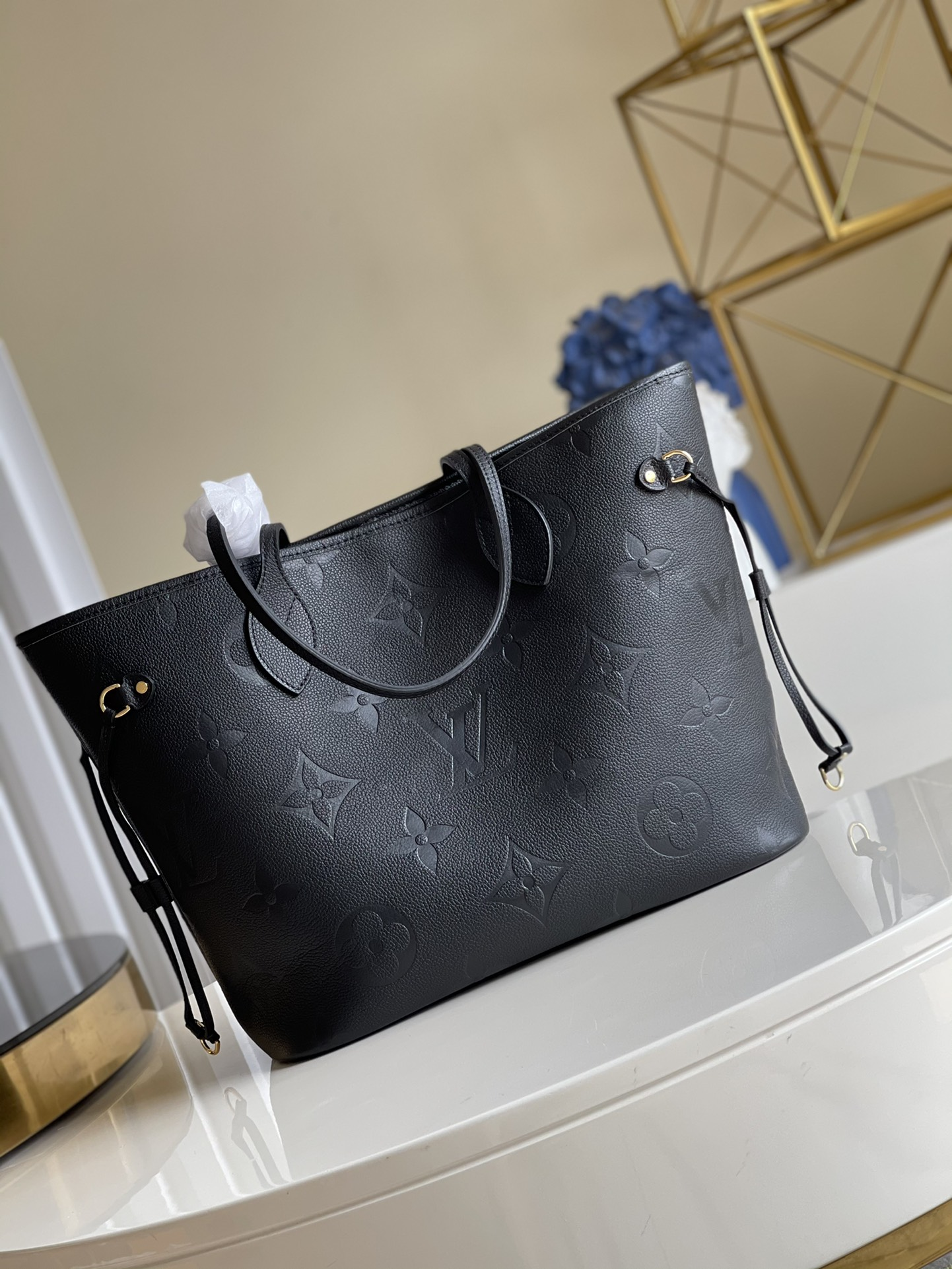 Replica Louis Vuitton M45685 Neverfull MM Embossed Cowhide Leather Black