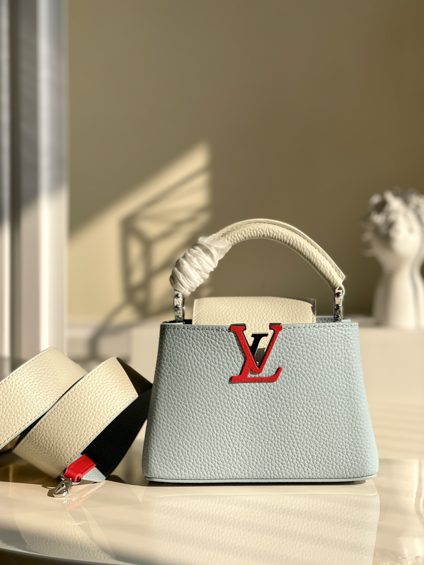 Replica Louis Vuitton M57519 Capucines Mini Handbag Olympe Blue Red White Taurillon Leather