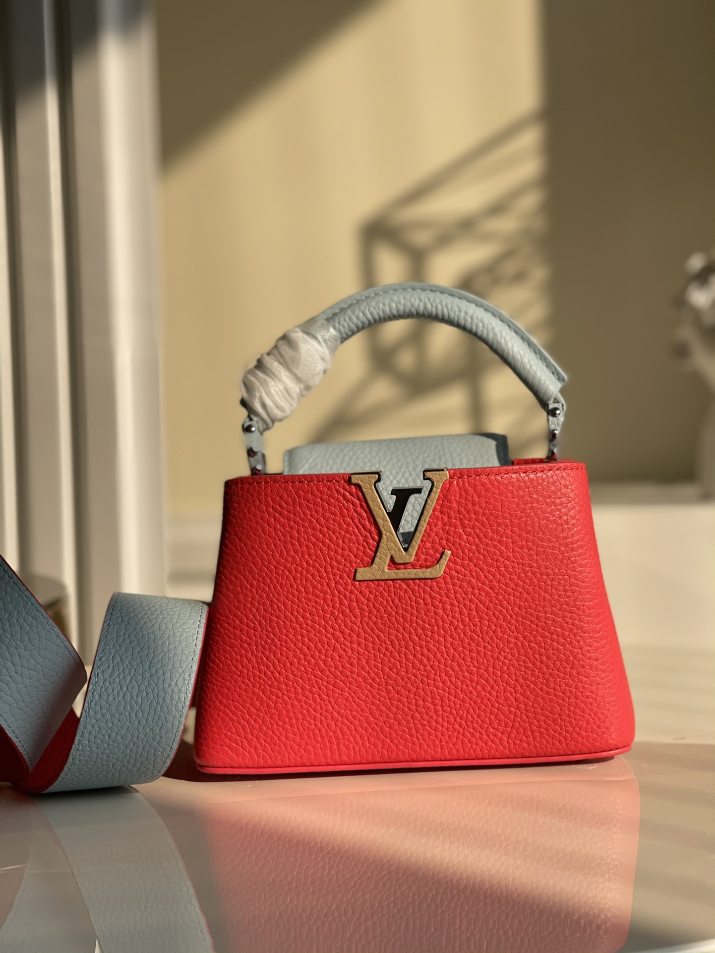 Replica Louis Vuitton M57520 Capucines Mini Handbag Coral Greige Beige Olympe Blue Taurillon Leather