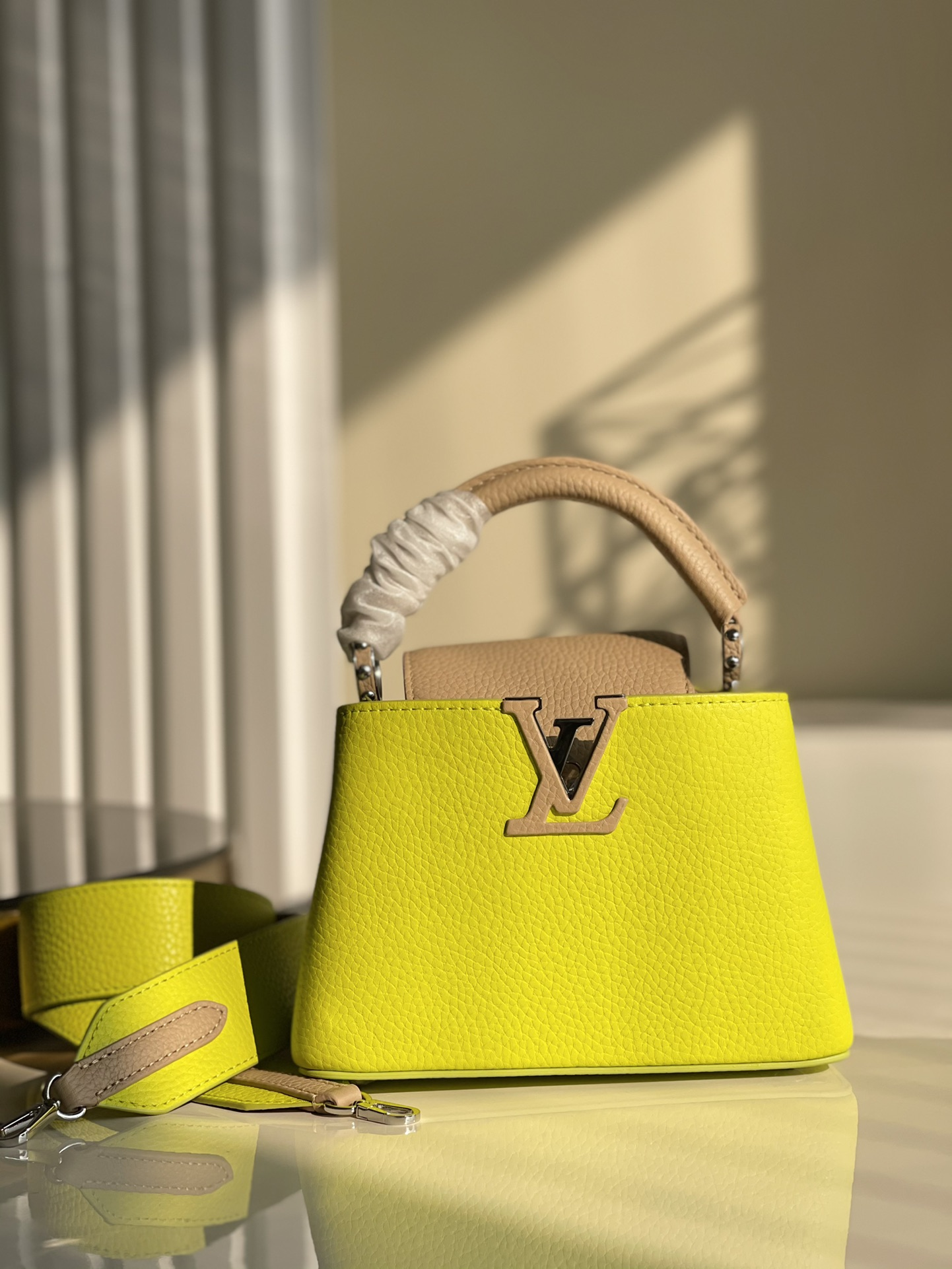 Replica Louis Vuitton M57521 Capucines Mini Handbag Fluorescent Yellow Coquille Beige Taurillon Leather
