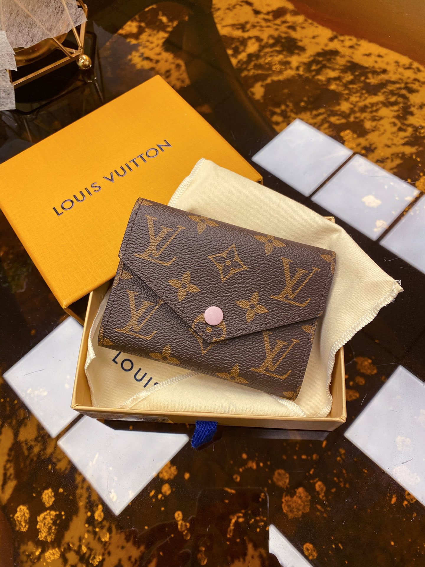 Replica Louis Vuitton M62360 Victorine Wallet