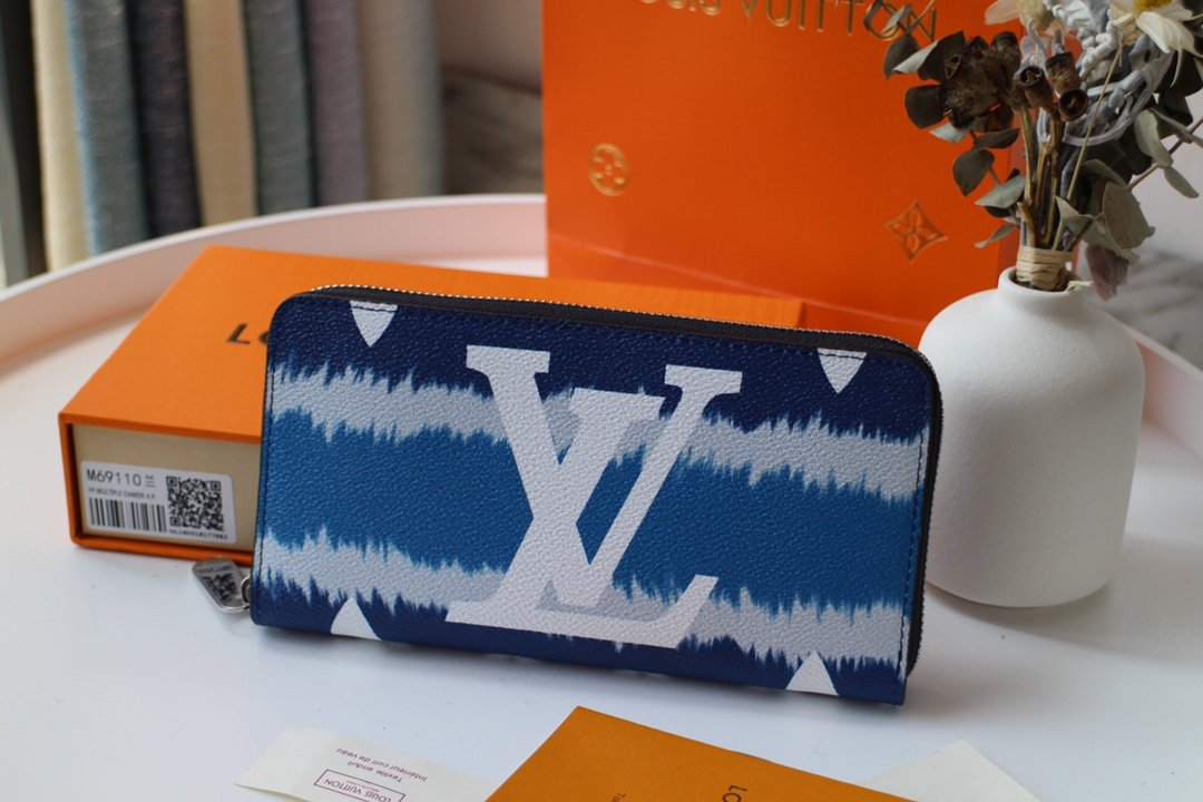 Replica Louis Vuitton M68841 LV Escale Zippy Wallet Blue
