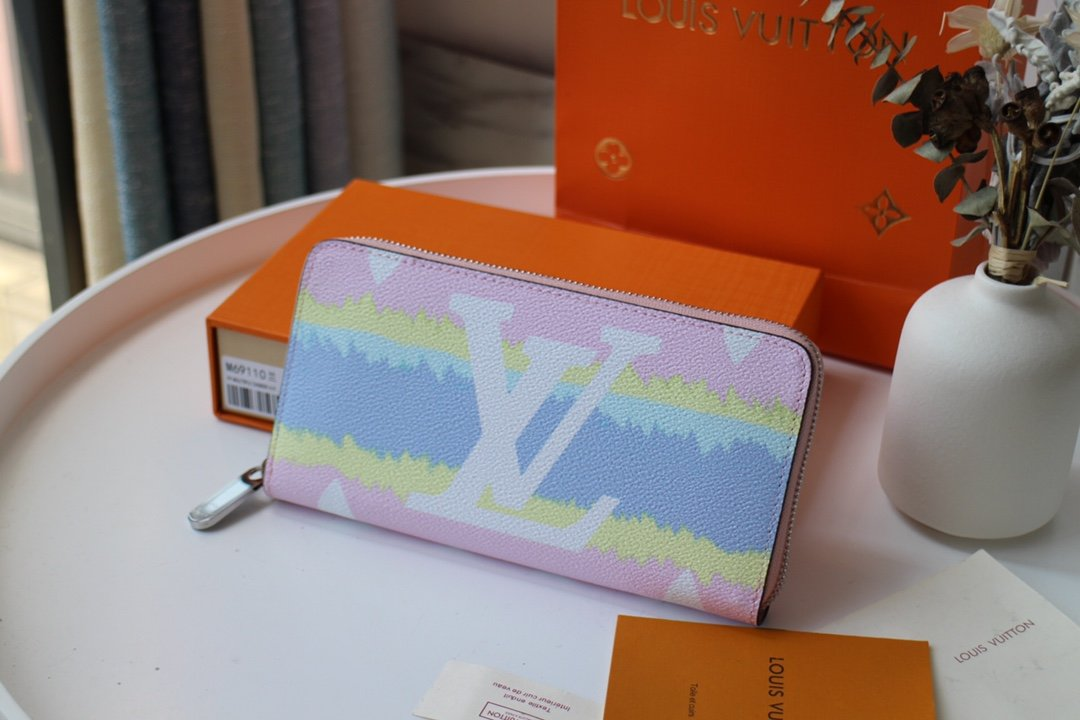 Replica Louis Vuitton M69110 LV Escale Zippy Wallet Pastel