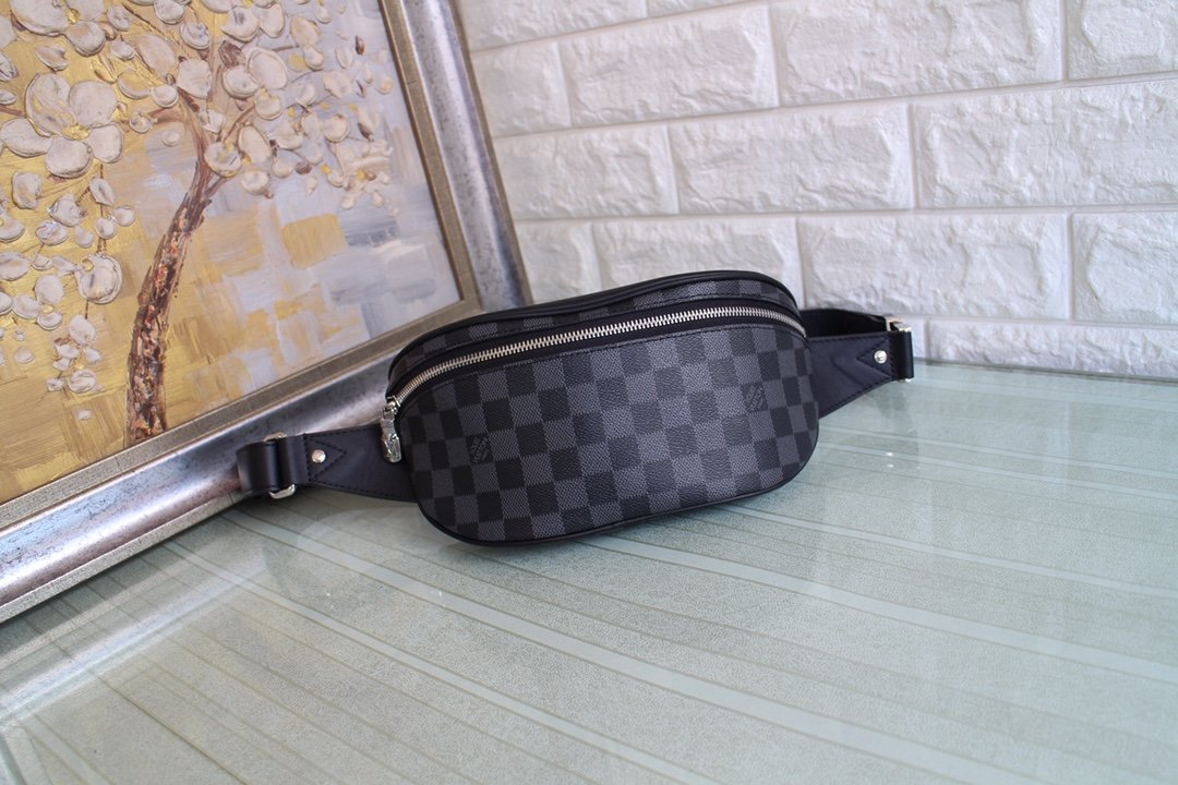 Replica Louis Vuitton N40362 Campus Bumbag in Damier Graphite Coated Canvas with its Silver-Color Zipper